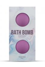 2 Bombes de bain Sassy - Dona : Détendez vous dans le bain avec les bombes de bain Dona Flirty délicatement parfumées avec des arômes aux accents tropicaux.