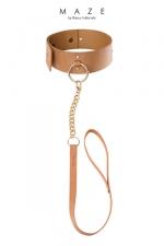Collier Choker avec laisse marron - Maze : Un collier de soumission et sa laisse amovible pour reprendre le contrôle de votre soumise quand c'est nécessaire.