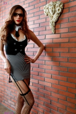 Déguisement sexy maitresse d'école : Déguisement ultra sexy de maîtresse d'école (6 pièces) pour mener vos élèves à la baguette. Marque Paris Hollywood.